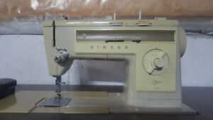 Singer Stylist 533 Sewing Machine + Table