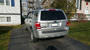 2010 Ford Escape SUV, LOW KMS