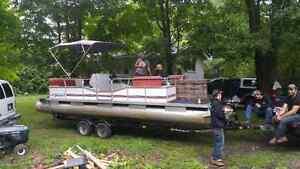 24 foot pontoon sell or trade