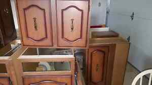 Wood cabinets - ready for pickup Windsor Region Ontario image 2