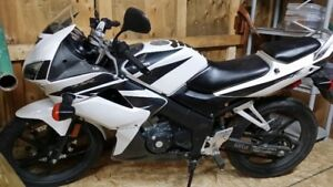 Honda Cbr 125,Fuel Injected,6speed,nice and clean,120km/hr