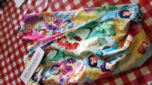 Online leggings store Disney princess leggings