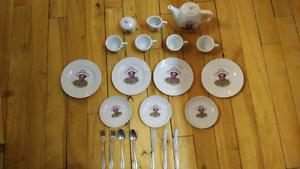 Service de thé jouet en porcelaine