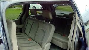2003 Chrysler Autre Fourgonnette, fourgon Saguenay Saguenay-Lac-Saint-Jean image 4
