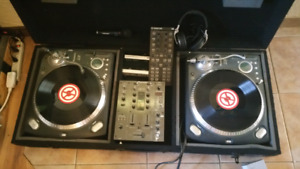 Numark turntables  with EVERYTHING