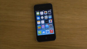 IPhone 4S - Fido 16GB comes with charger  - 10/10 MINT condition