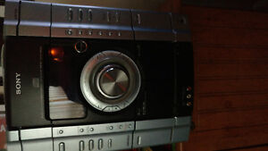 Sony 3 cd changer two speakers and sub woofer