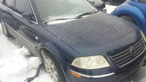 2003 Volkswagen Passat 4motion Sedan pour pièce seulement pas pa Gatineau Ottawa / Gatineau Area image 2
