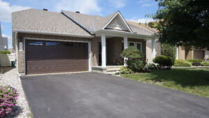 STUNNING BUNGALOW in AVALON ORLEANS, PERFECT NEIGHBOURHOOD