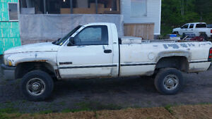 1996 Dodge Power Ram 2500 White Pickup Truck