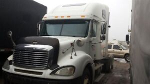 2004 Freightliner CL- 550 Cat single turbo non emission 13 speed