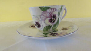 Vintage SHELLEY Dainty Pansy Teacup & Saucer
