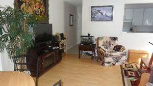 Non-smoking 2 bedroom Flat minutes from Sunnyside Mall Bedford