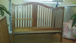 Crib/toddler bed conversion