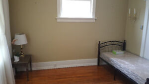 Oshawa –Furnished room for rent, all inclusive $600