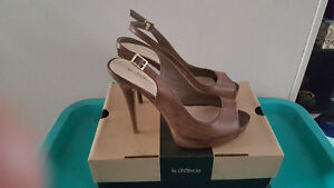Le Chateau open-toed brown high heels