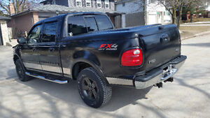 Ford F-150 SuperCrew Lariat Low Kms with Etest