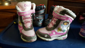 Girls Winter Boots Size 8 - Asking $5
