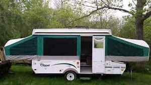 2005 Coachman Hard Top Camper with Slide Out.