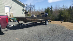2016 Triton 1760sc 18ft duck/ fishing boat