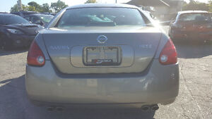 2004 Nissan Maxima SE Sedan - HEATED SEATS! SKY-VIEW! Kitchener / Waterloo Kitchener Area image 4
