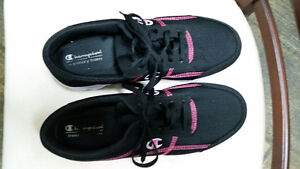 Champion black with pink runners