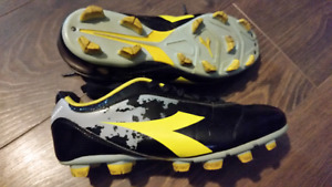 Diadora Soccer Cleats 8.5