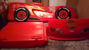 $200!! Lightning McQueen kids bed, great Christmas Gift!!