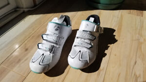 Ladies road cycling shoes