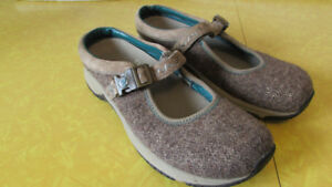 Pair of Wool Merrell Ortholites Shoes