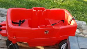 Chariot enfant rouge