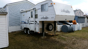 "20 "" Aerolite fifth wheel camper"