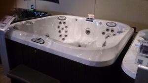 Jacuzzi Hot Tubs Whitby PRICES ARE FALLING 2.99% financing J-355