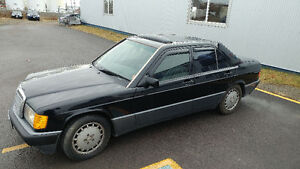 1991 Mercedes-Benz 190-Series 2.6 Sedan