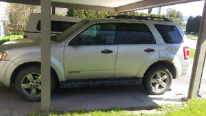 REDUCED! 2008 escape need gone ASAP!