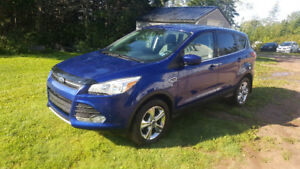 2014 Ford Escape SE SUV,AWD-LOW KMS!!
