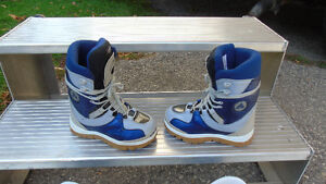 Sims snowboard with bindings and boots Kitchener / Waterloo Kitchener Area image 5