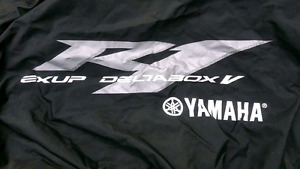 Yamaha R1 cover - new