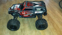RC Traxxas Summit 4x4 4WD 1/10 Scale