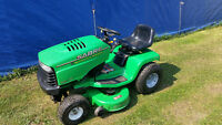 John Deer Sabre Riding Lawn Mower