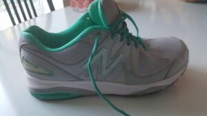 Mens NEW BALANCE Shoes 1540 V2 (High End Runners) Size 10
