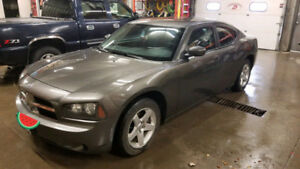Dodge Charger 2010 Safetied, Clean title!!