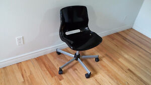 Plastic Desk Chair ( FREE DELIVERY )