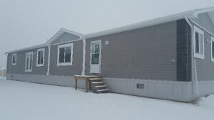 REDUCED! QUICK POSSESSION. 20/76 MODULAR HOME IN MACKENZIE RANCH