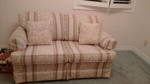 love seat - excellent condition