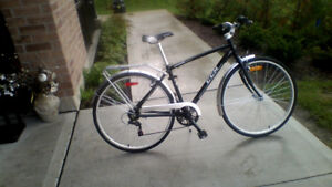 6-Spd Hybrid CCM Bike, 18-inch Frame, Splash Guards