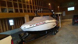 2012 Seadoo Wake 210 430HP, Only 70 hours, Only $210 Bi-weekly!