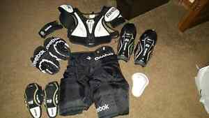 Reebok YT Hockey Equipment