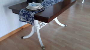 Antique /reproduction Expandable Dining table for 6