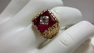 GENT'S 10KT YELLOW GOLD, SYNTHETIC RUBY DRESS RING